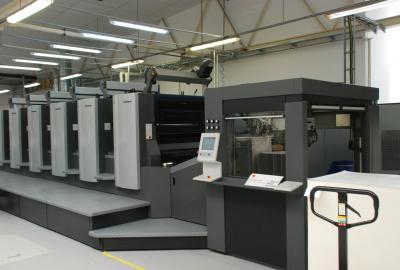 Druk na skalę XXI wieku. Czy biznes w dobie digitalizacji jeszcze potrzebuje poligrafii?